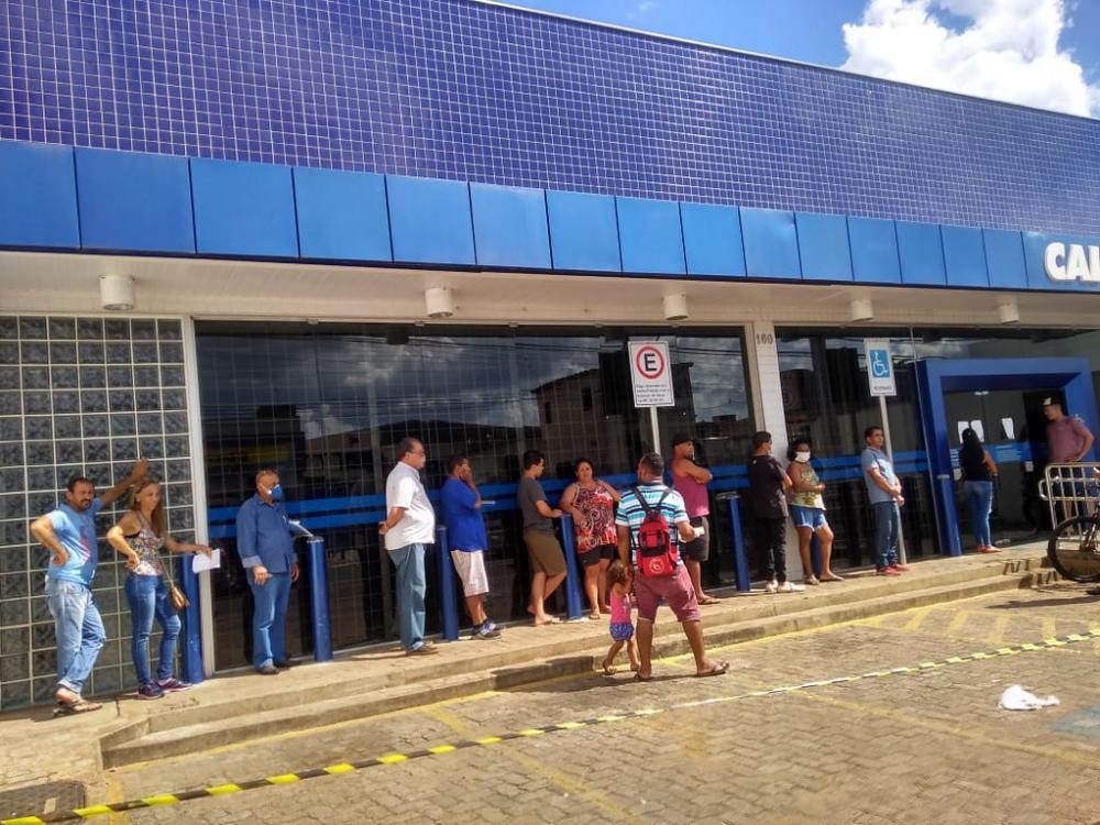 Prefeitura, por meio da Secretaria de Defesa Social, autuou uma agência bancária e duas lotéricas durante fiscalização - Foto: Divulgação/PMU
