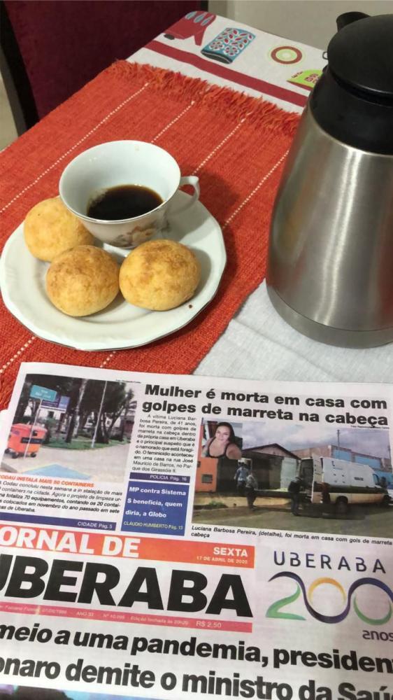 Assinante do JORNAL DE UBERABA parabenizou a coluna BASTIDORES alegando que seu dia começa com um bom café e a leitura matinal - FOTO: Divulgação